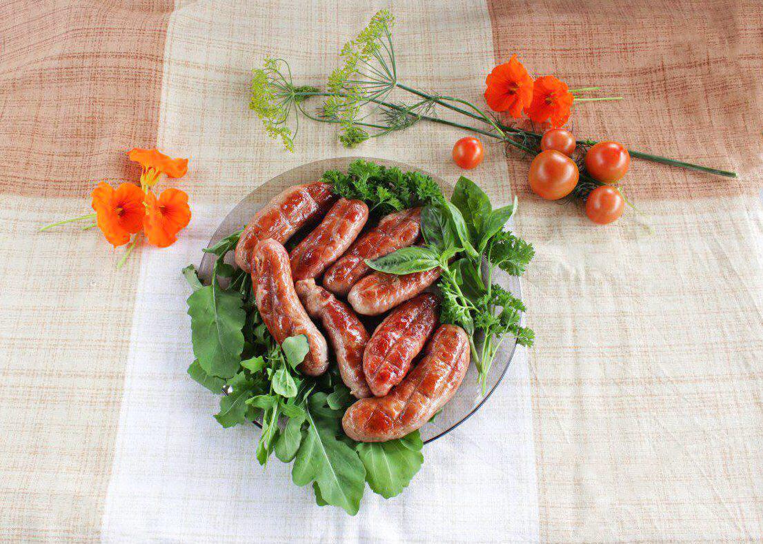 Как приготовить вкусные колбаски на мангале или решетке? Делимся маленькими хитростями в новом выпуске нашего кулинарного блога